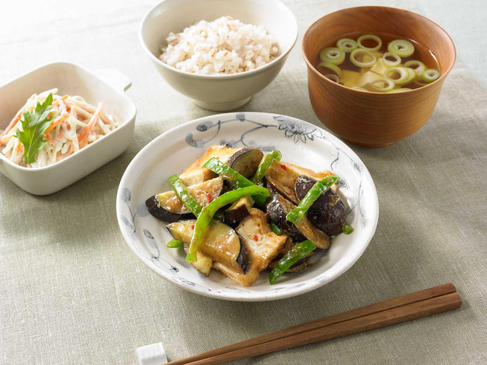 野菜を活かす-なすとピーマンのごま味噌炒めのソース食卓イメージ