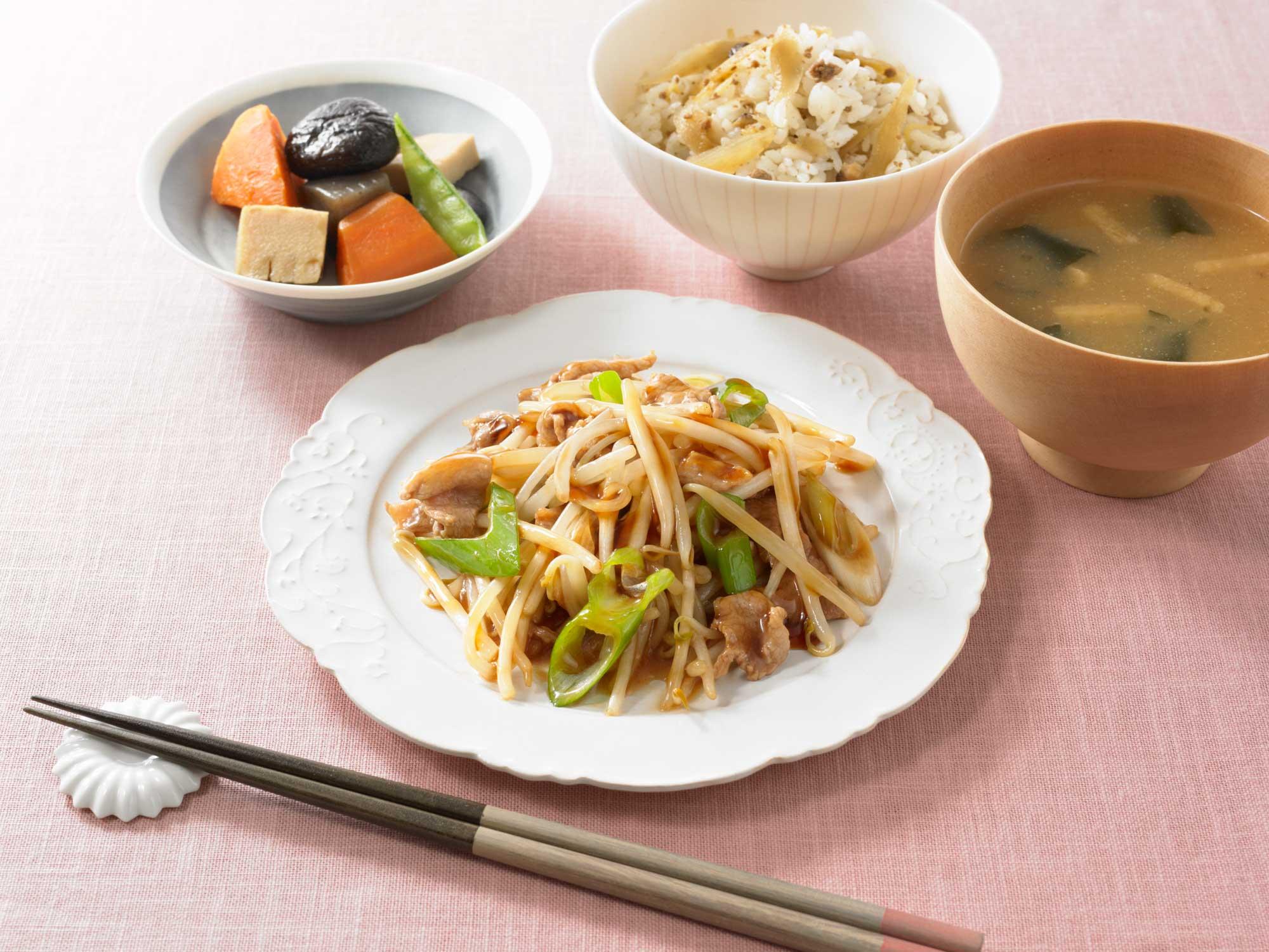 野菜を活かすもやし炒めのソース食卓イメージ