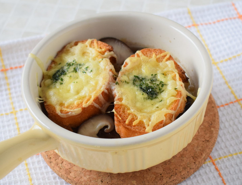 チキンハンバーグのオニオングラタンスープ
