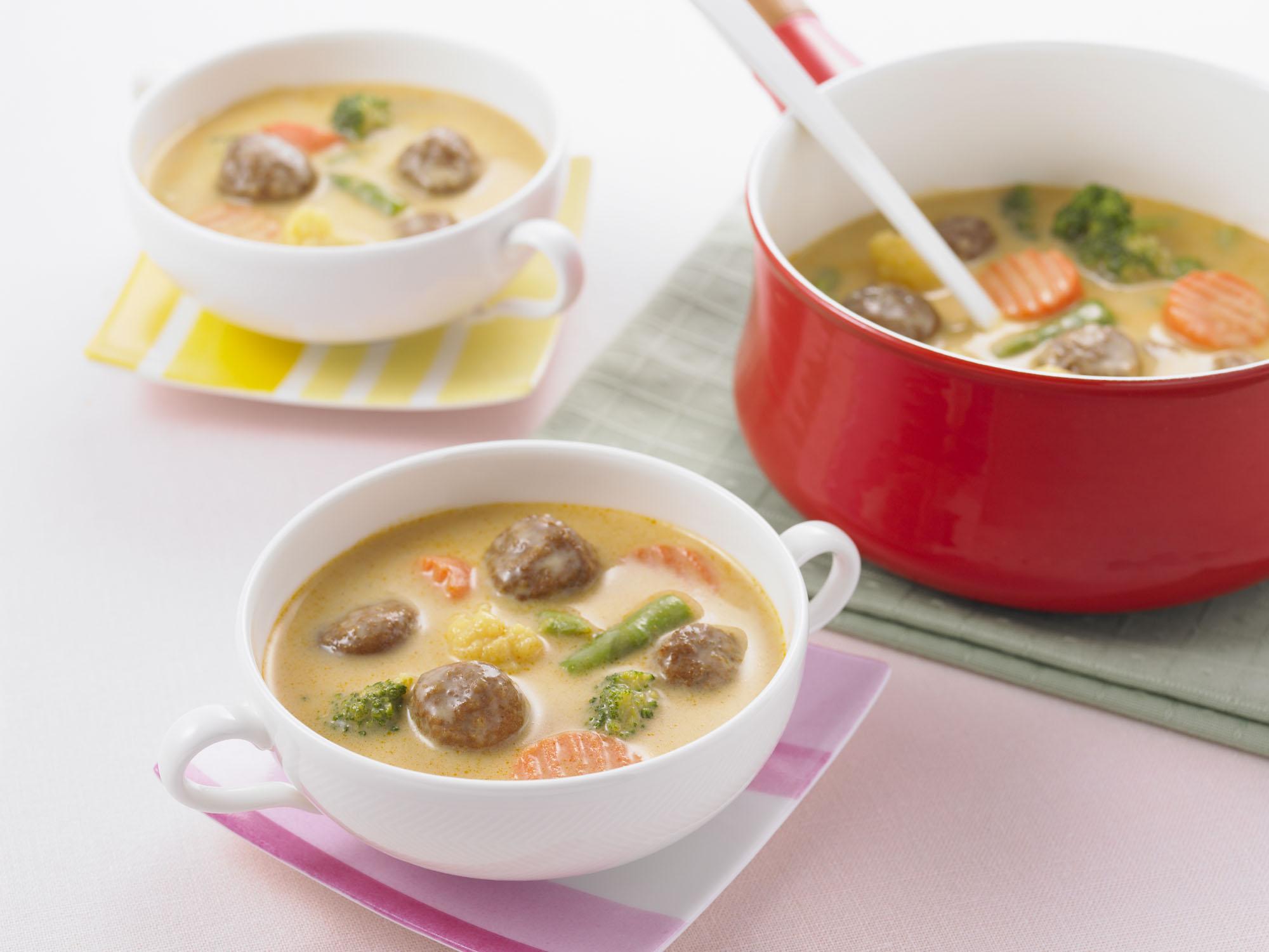 カレーミートボールのクリーミースープ
