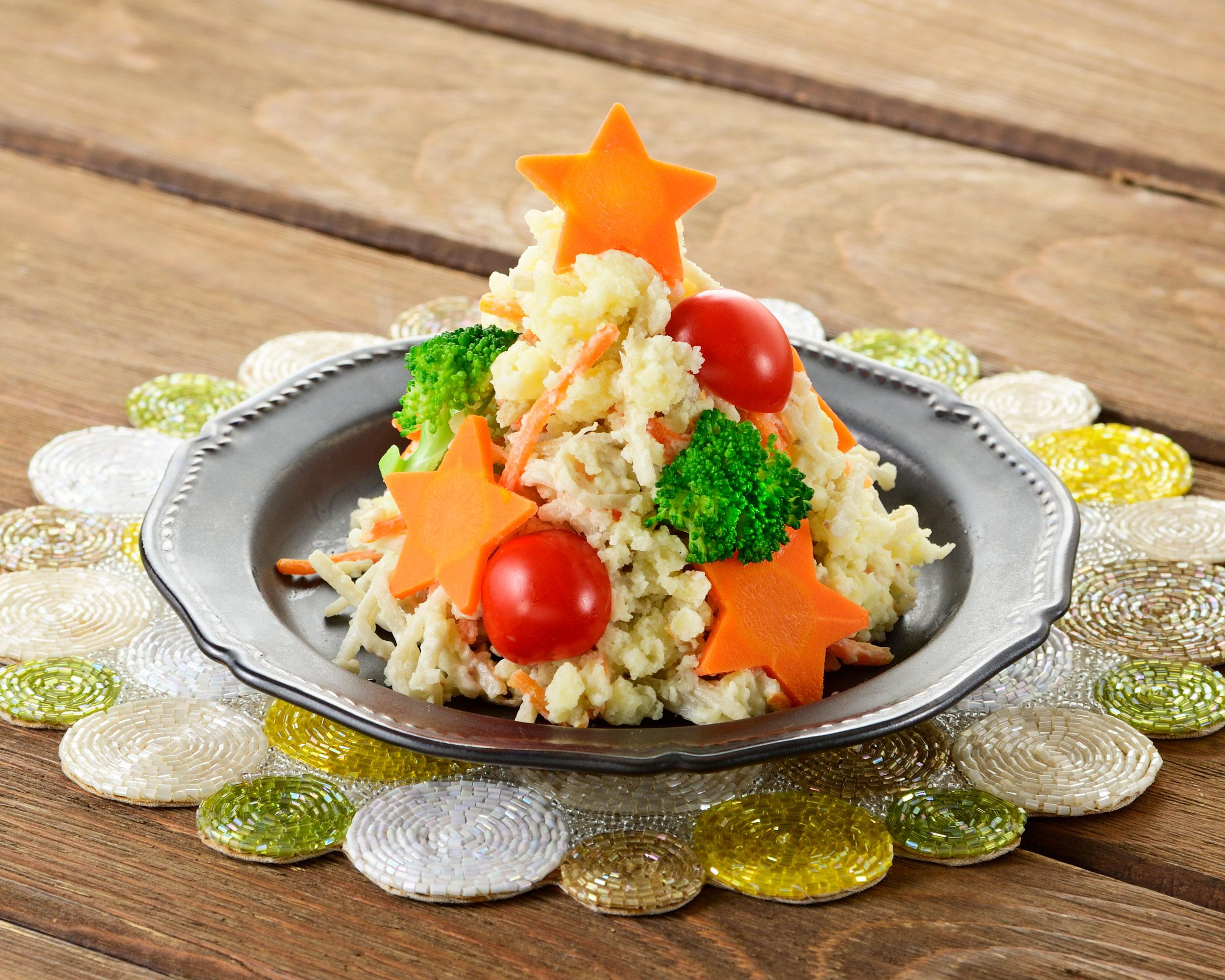 ごぼうサラダで簡単!クリスマスツリーサラダ