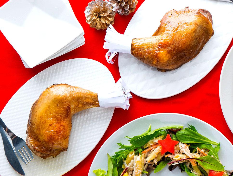 骨付き鶏もも肉のローストチキン