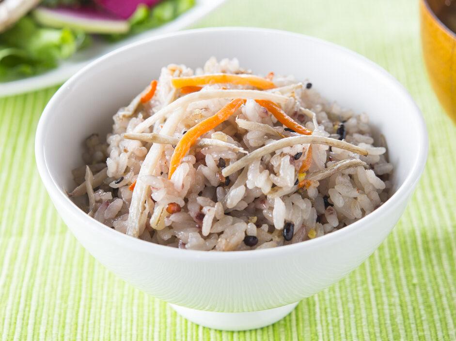 ごぼうサラダの雑穀炊き込みご飯